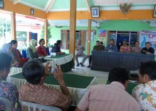 Study dan Penelitian dari UGM jogjakarta yang di pimpin Dr.Tya Pamungkas tentang Implementasi SID sebagai Transformasi Budaya, sedang dialog dengan Pemerintah Desa Pejambon (2017)